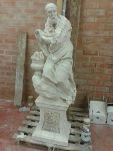 Aspecte de l'estàtua de Plutó després de la restauració.